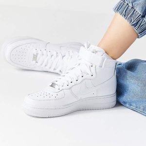 Women's high top tennis shoes